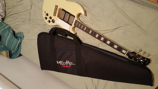 Guitarra Epiphone SG 400 Custom + case estofado Wake Make Sound